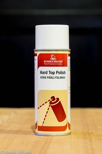 Kova sellakkapulituuri spray